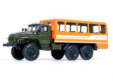 ТС-4951 вахтовый автобус на шасси Урал-4320-01