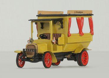 Автобус маршрута Красная Двина-Мюльграбен на шасси Руссо-Балт