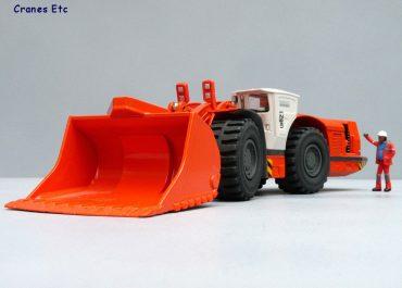 Sandvik LH621 frontal underground wheel loading