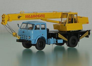 КС-3571 гидравлический автокран на шасси МАЗ-500А
