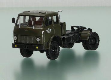 МАЗ-508В седельный тягач для работы с полуприцепом по дорогам всех категорий