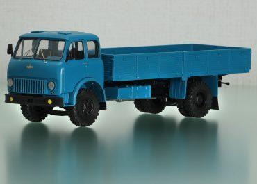 МАЗ-500Г опытный, длиннобазный бортовой автомобиль для перевозки длинномерных грузов