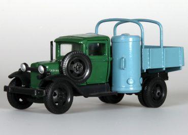ГАЗ-42 бортовой газогенераторный грузовик