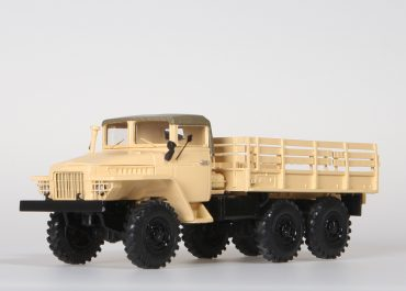 Урал-375 бортовой грузовик