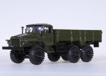Урал-377 бортовой грузовик на базе Урал-375