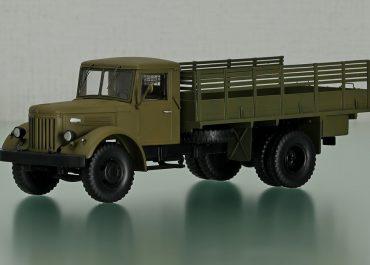 МАЗ-200Г грузовой автомобиль с высокобортным кузовом