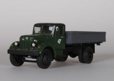МАЗ-200/200П первый серийный дизельный в СССР бортовой грузовик