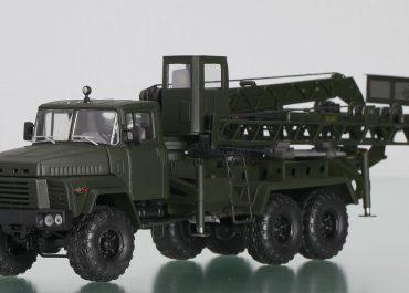 УСМ-2 мостостроительная установка с гидроприводом на шасси КрАЗ-260Г