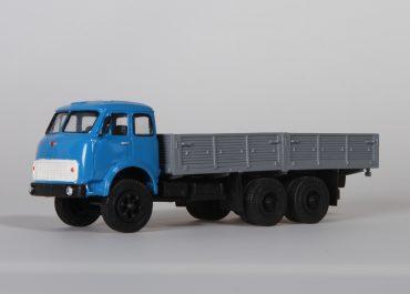 МАЗ-516Б бортовой грузовик