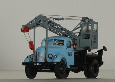 ЛАЗ-690 механический автокран на шасси ЗиЛ-164/164А