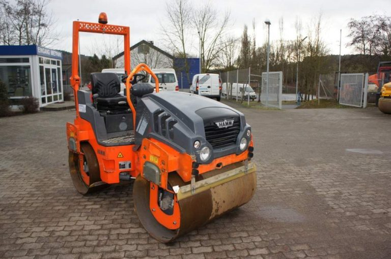 Hamm HD 12 VV articulated tandem with two vibratory drums roller