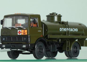 АЦ-9-5337 транспортная автоцистерна для светлых нефтепродуктов на шасси МАЗ-5337