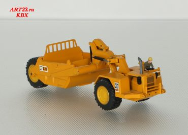 Caterpillar 621 self-propelled Scraper