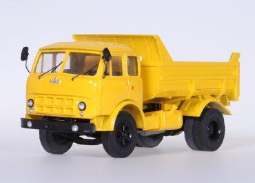 МАЗ-503А строительный самосвал задней выгрузки для перевозки сыпучих материалов