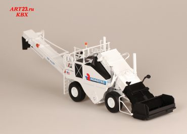 Roadtec SB-2500 Shuttlel Buggy wheel material transfer device