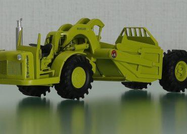 Euclid S7 3UOT/4UOT truck and articulated Scraper 26SH