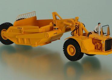 Caterpillar DW21 8W truck and articulated Scraper Cat No. 21 8