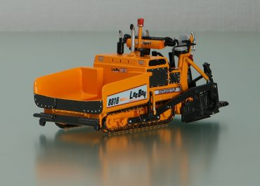 LeeBoy 8816 crawler Asphalt Paver