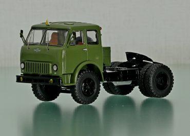 МАЗ-504 седельный тягач для средних расстояний