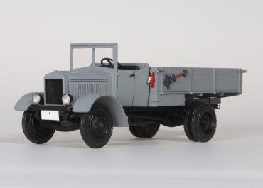 Я-4 первый советский серийный бортовой грузовик