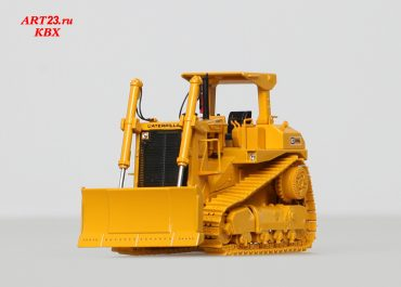 Caterpillar D9L track-type tractor with push blade