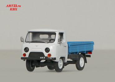 УАЗ-452Д до 1985 года, -3303 4х4 малотоннажный бортовой грузовик