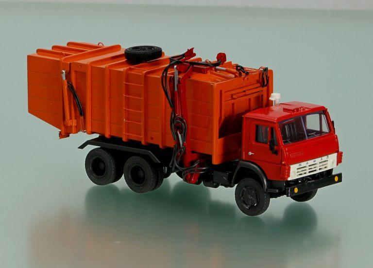 КО-415А мусоровоз на шасси КамАЗ-53213