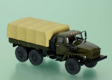 Урал-4320-31 6х6 бортовой грузовик