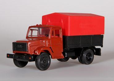 ЗиЛ-4333 бортовой грузовик с тентом