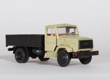 ЗиЛ-4333 бортовой грузовик