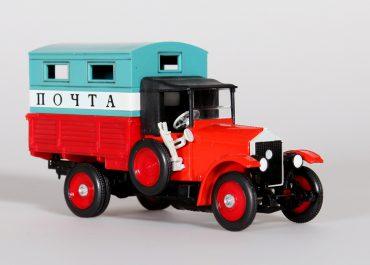 АМО Ф-15 бортовой грузовик с фургоном для перевозки почты