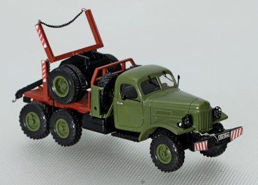 ЗиЛ-157 6х6 тягач-лесовоз с прицепом-роспуском ТМЗ-804 для перевозки леса в хлыстах