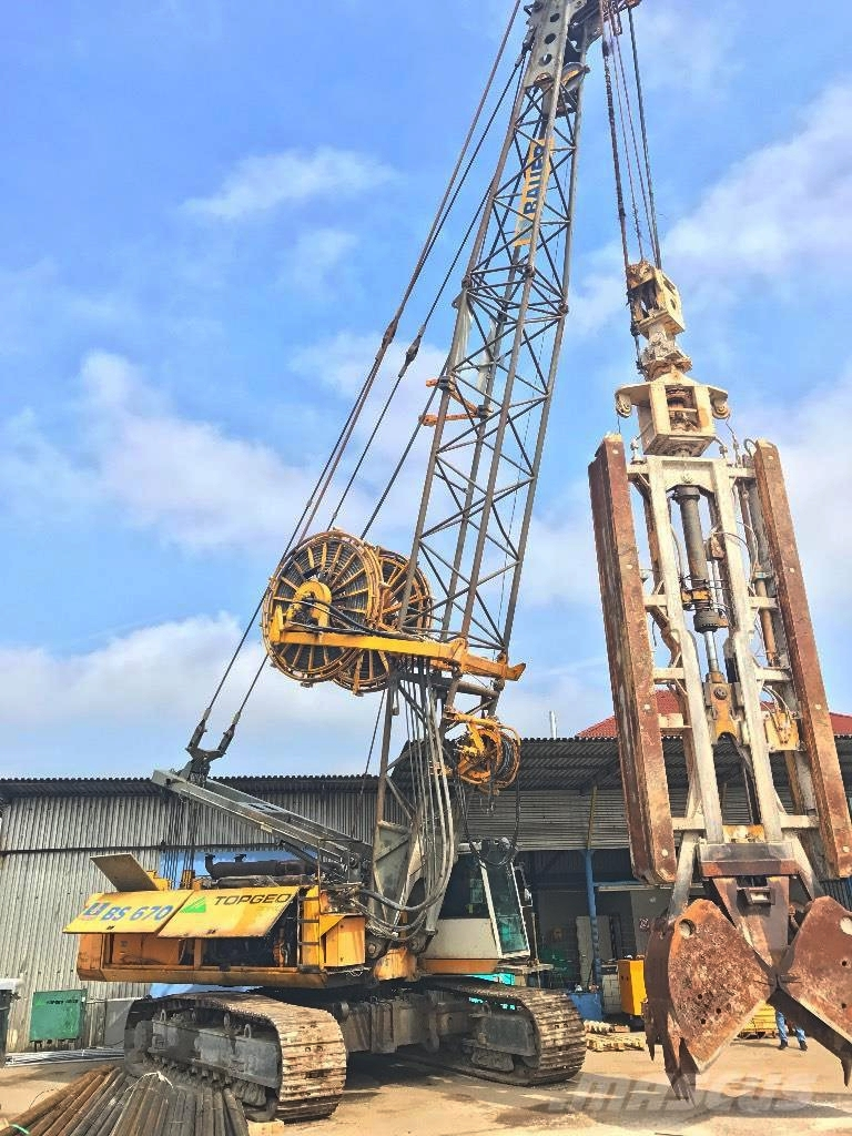 Bauer HDSG 50 grapple DHG for devices foundation work