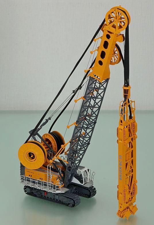 Bauer MC96 duty cycle crane