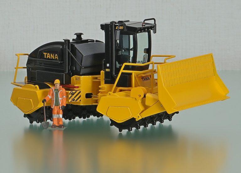 Tana E520 Landfill Compactor