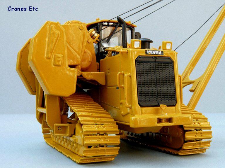 Caterpillar 587T crawler pipelayer
