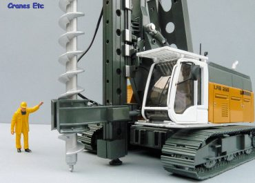 Liebherr LRB 255 Litronic crawler piling — Drilling Rig with piling vibrator