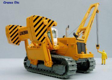 Liebherr RL64 Litronic crawler pipelayer