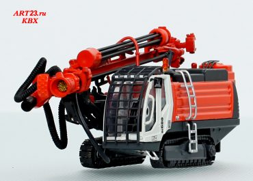 Sandvik DI 600 crawler drilling rig