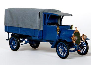 Руссо-Балт М 24/40 XV серии бортовой грузовик с цепной главной передачей