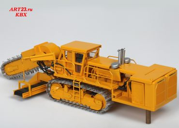 Caterpillar Roc Saw 850СV trencher on the base Cat D9G Track-type Tractor with elevator