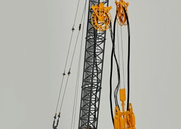 Bauer MC 96 Duty-cycle crane with trench Cutter  BC35