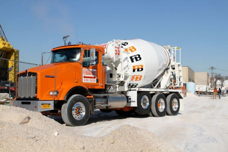 McNeilus Standard Mixer M77 truck mixer