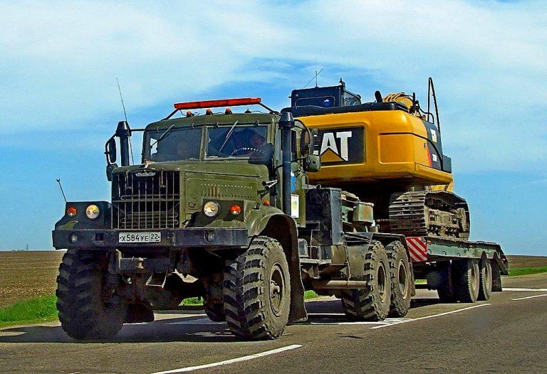КрАЗ-255В и КрАЗ-255В1 6х6 вседорожный седельный тягач для буксировки полуприцепов