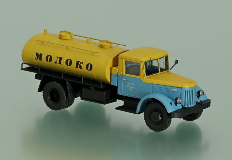 АЦ-525 автомобиль-цистерна для перевозки молока на шасси МАЗ-200