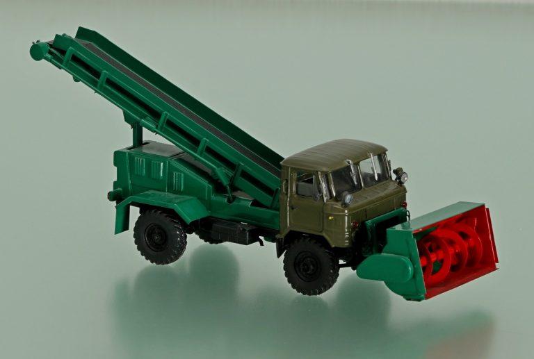 УП-66 универсальный фрезерный погрузчик на шасси ГАЗ-66-01