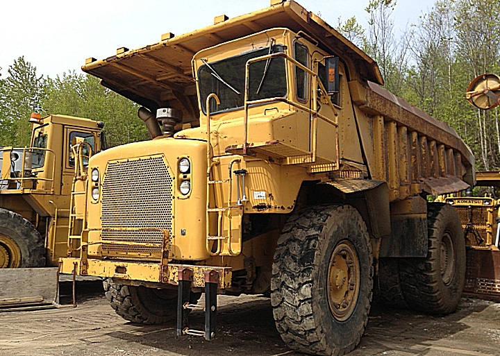 Caterpillar 772 Mining off-road truck tractor with 1-axle semi-trailer Athey