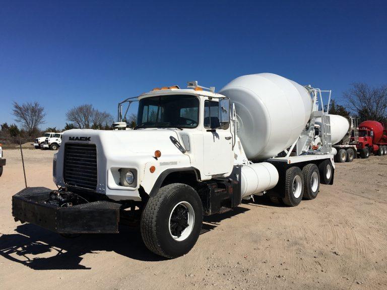 Stetter AM-10FH truck mixer