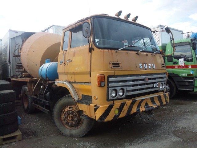 Truck mixer on the chassis Isuzu Truck SRZ-451