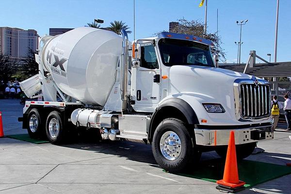 International HX615 Standard Cab truck mixer
